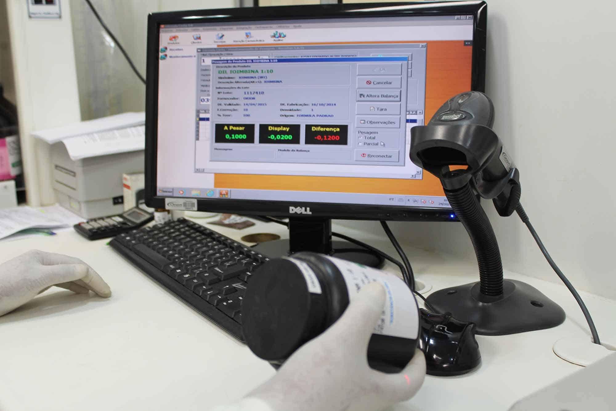 Capturação de dados de medicamento para pesagem computadorizada